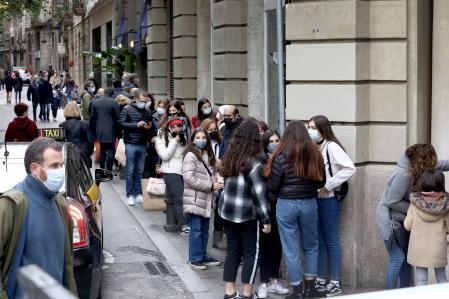 La Economía Española Podría Crecer en 2021 y 2022 Si La Vacunación Es Exitosa