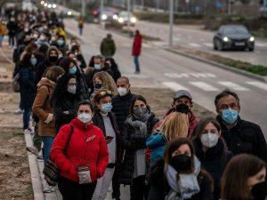 Profesores En Madrid Están De Baja Tras Recibir La Vacuna De AstraZeneca