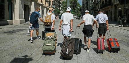 Vacunación Deja En El Aire Siete Millones De Viajes En España Durante El Verano