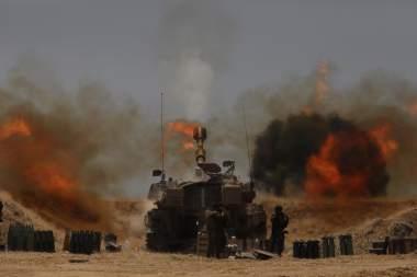 Israel moviliza hacia la Franja de Gaza a sus tropas tras el estallido de violencia